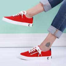 Női piros tornacipő