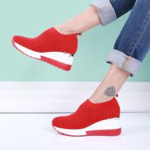 Női piros magasított sarkú zoknicipő