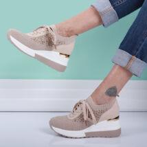 Női bézs magasított sarkú fűzős zoknicipő