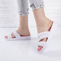 Női fehér masni mintás  talpú gumi papucs