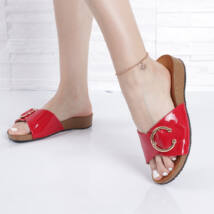 Lakk csatos piros női papucs