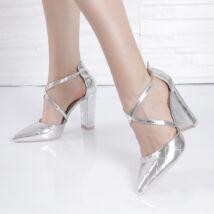 Vastagsarkú női ezüst alkalmi cipő