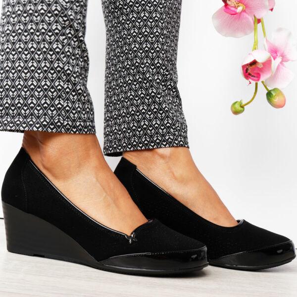 Női telitalpú alkalmi cipő %