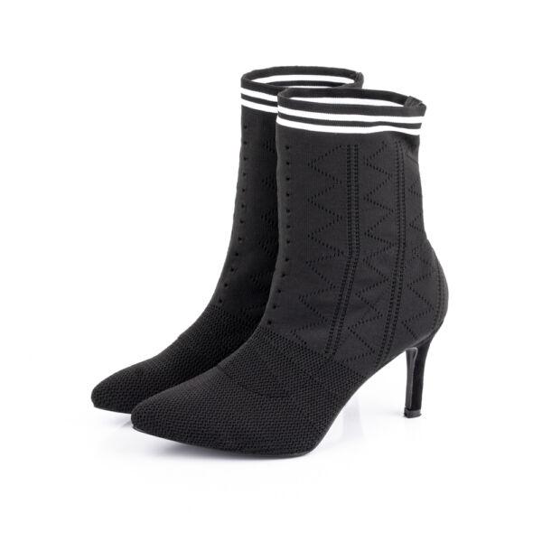 Női belebújós tűsarkú fekete rövid szárú csizma-zoknicipő