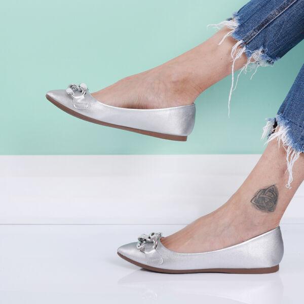 Női ezüst láncos belebújós balerina cipő