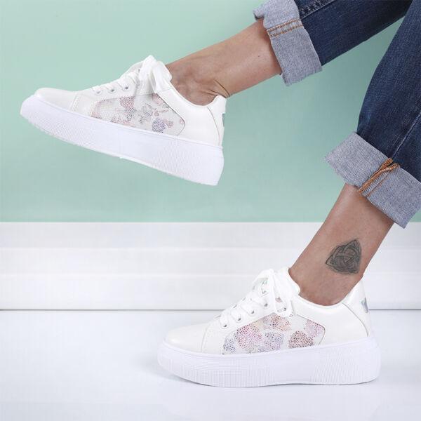 Női fehér magasított talpú sportcipő