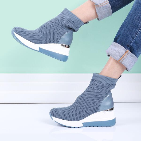 Női kék magas szárú zoknicipő