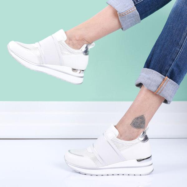 Női fehér belebújós cipő