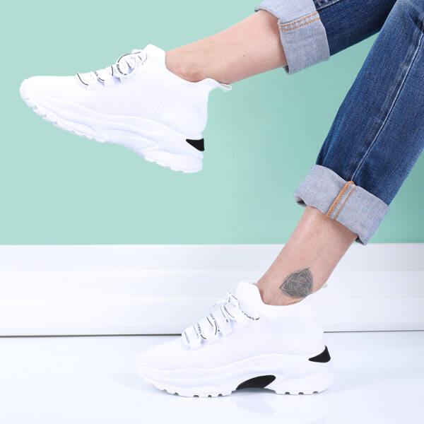 Női fehér magas talpú fűzős zoknicipő
