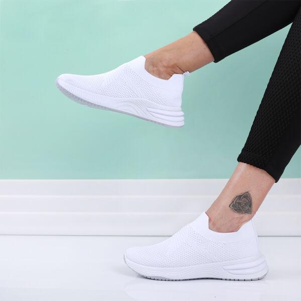 Női fehér zoknicipő