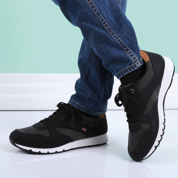 Férfi fekete sportcipő