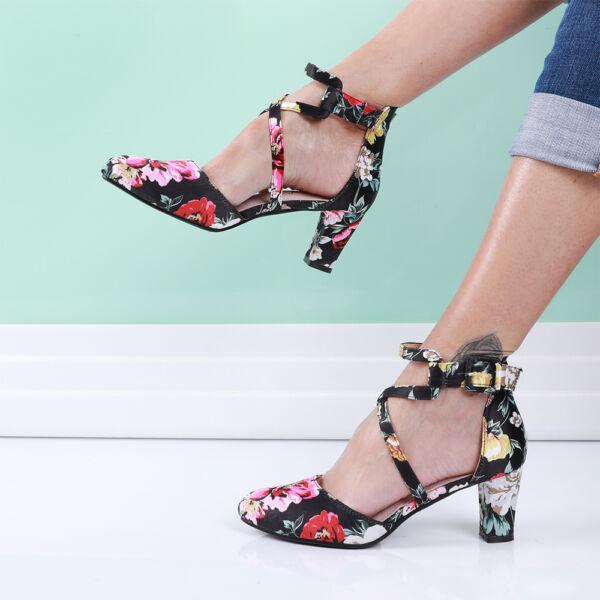 Női fekete virágmintás alkalmi cipő