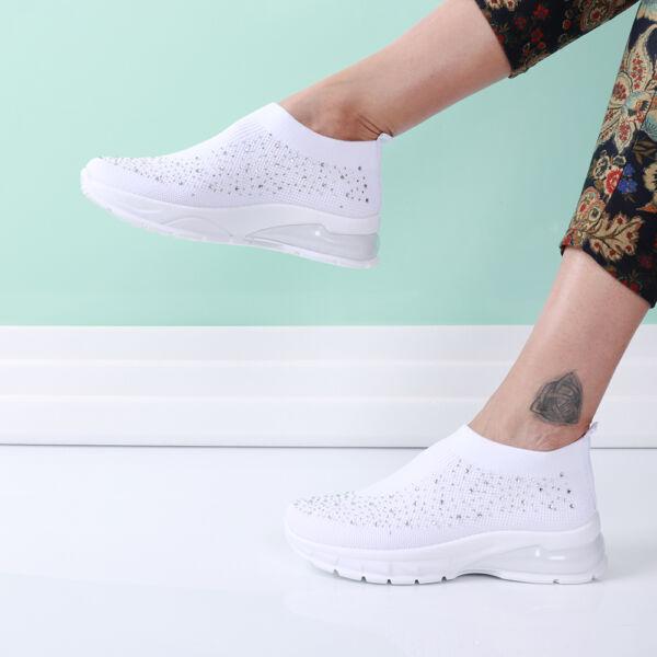 Női fehér strasszos zoknicipő