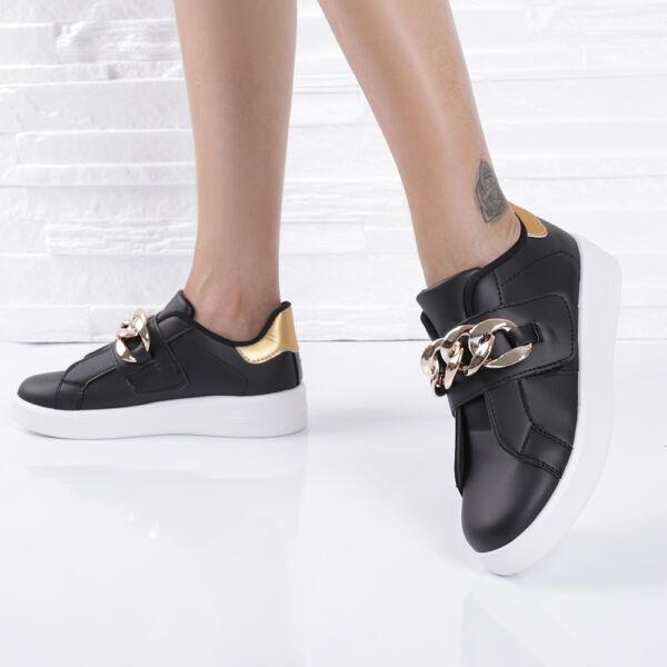 Női fekete, arany színű lánccal díszített cipő